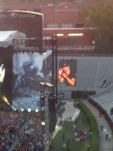 The sun finally went down so we could see Luke on the screens.